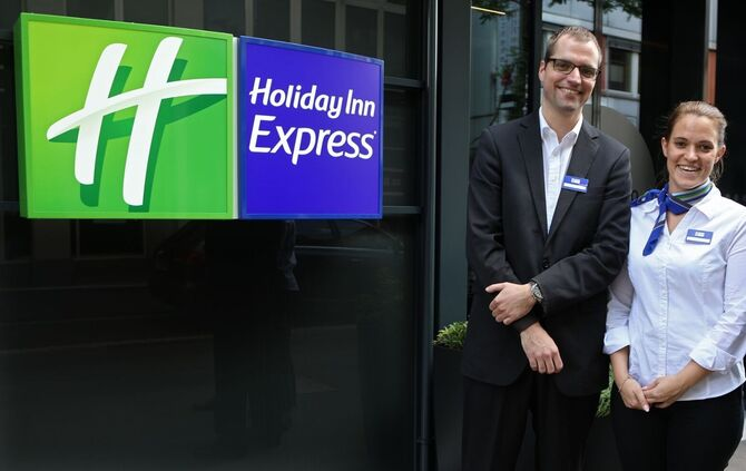 Holiday Inn_0