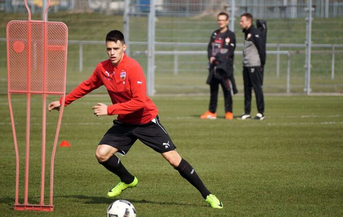 Training VfB Stuttgart 14.03._7